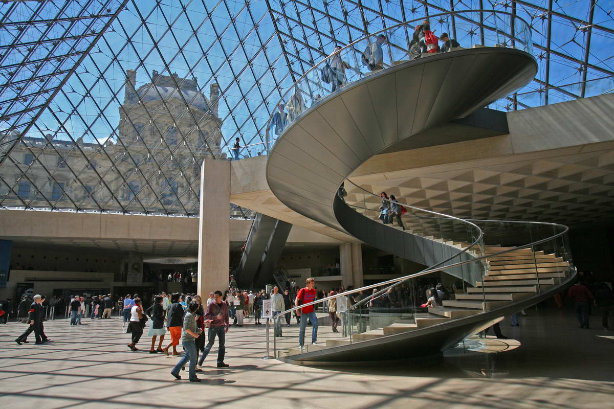 Yasminfrench12 le louvre for Inside a l interieur