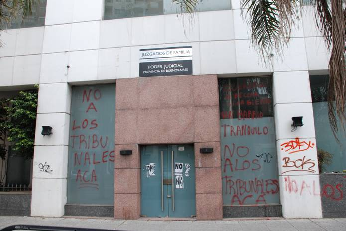 Municipalidad de san isidro prensa f rrea oposici n de for Juzgado san isidro