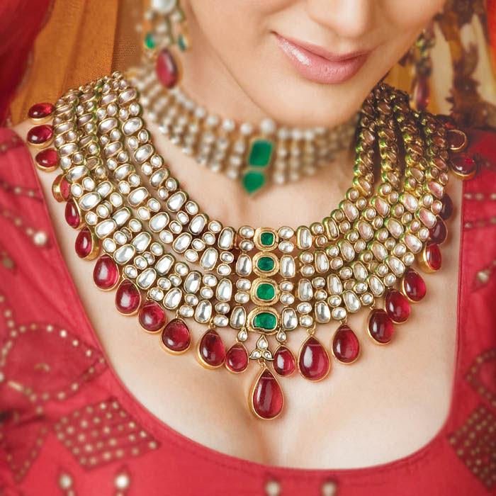 Impressive Indian Bridal Jewelry Kundan 700 x 700 · 103 kB · jpeg