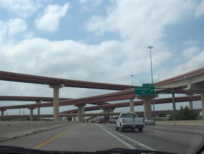 http://2.bp.blogspot.com/_KgQO4kf-Occ/R5aMd_gGUDI/AAAAAAAABA8/wv1lAcCTmBM/s400/highway-overpass.JPG