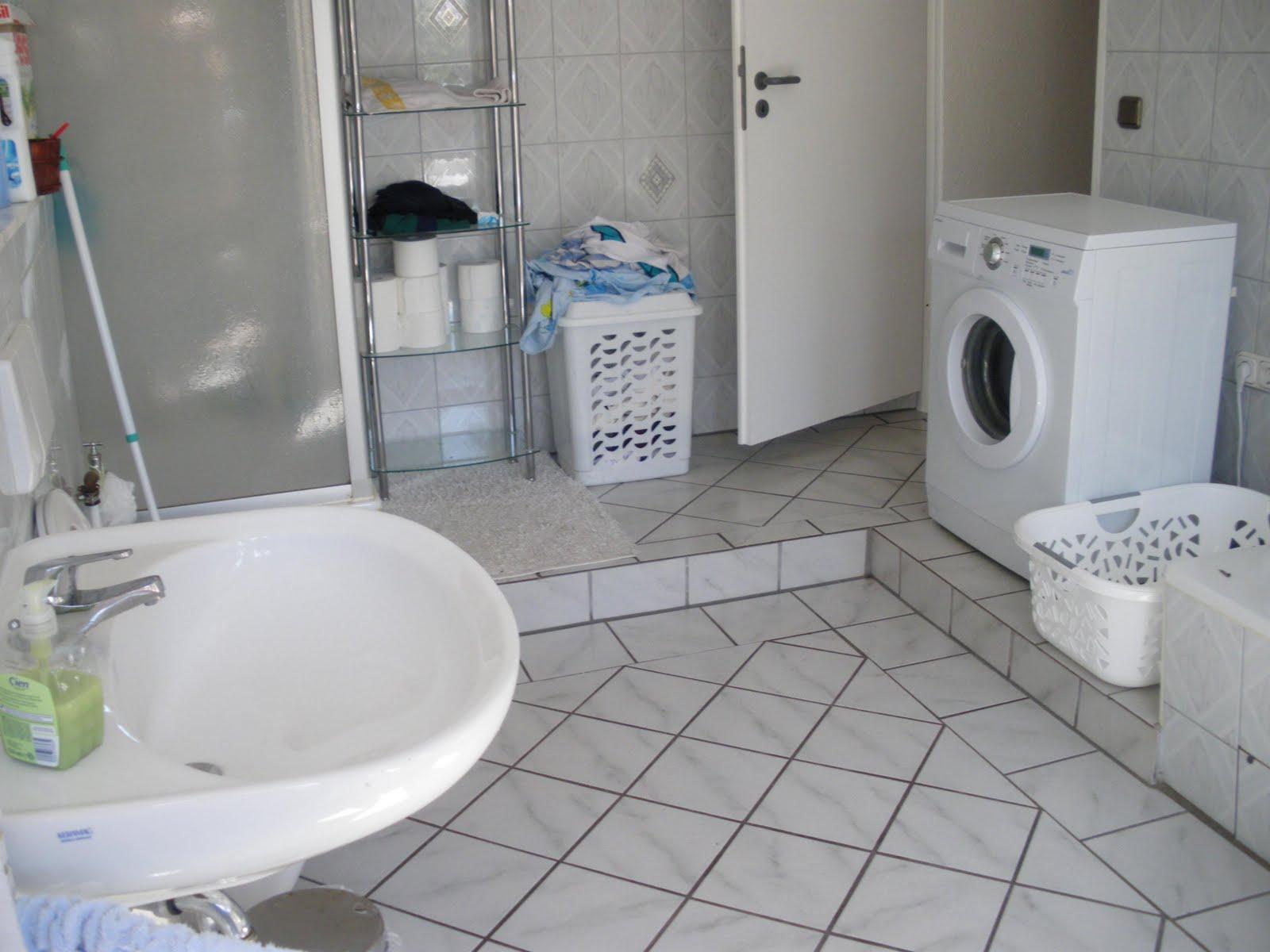 Esse aí o banheiro com chuveiro pia banheira (escondida) vaso  #47616E 1600 1200