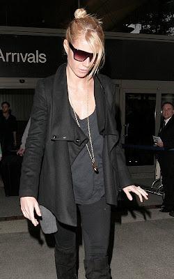 Gwyneth Paltrow-Testy at LAX in Airpot