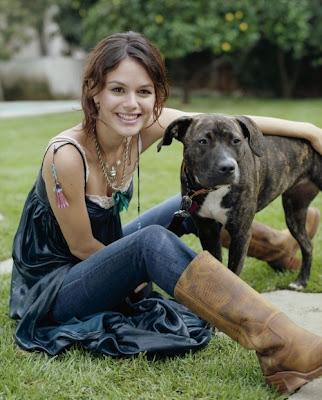 Rachel Bilson Pictures 2009