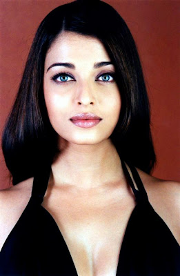 Aishwarya Rai Sizzling Hot L'oreal Photos