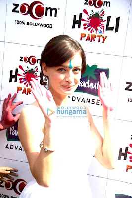 Dia and Arshad promote 'Hum Tum Aur Ghost' at Zoom's Holi party photo