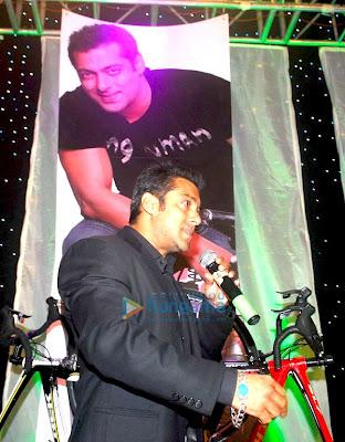 Salman Khan at Mumbai International Cyclothon photo