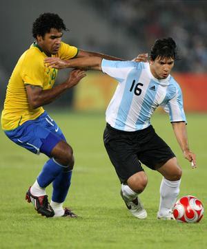 brazil vs argentina 2009, brazil vs argentina, brazil vs argentina score, brazil vs argentina world cup qualifiers, brazil vs argentina 2009 score