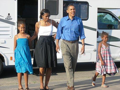 [obama+holiday.jpg]