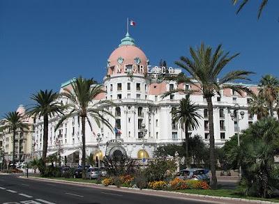 the promenade des anglais blog the negresco hotel. Black Bedroom Furniture Sets. Home Design Ideas