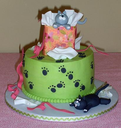 cats and present birthday cake