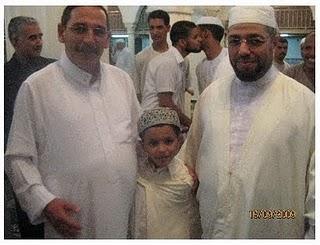 والي ولاية الاغواط ومدير الشؤون الدينية بالاغواط يتوسطهم محمد اسلام