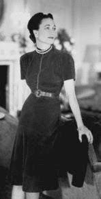 Windsorin herttuatar oli eräs Vionnetin kuuluisista asiakkaista. Huomattavaa puvussa on vinoleikkaus.