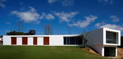 Contemporary House by Portuguese Architecture