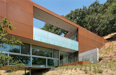 Contemporary Home Design by Architect Stanley Saitowitz