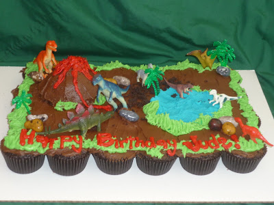 Birthday Cakes on Cravings   Alisha S Cupcakes   Another Dinosaur Cupcake Cake