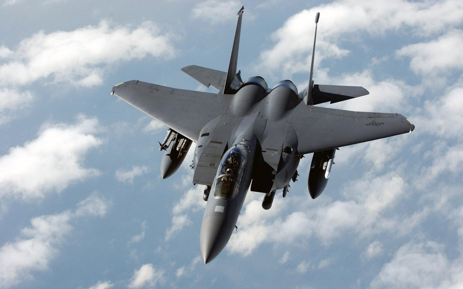 http://2.bp.blogspot.com/_KtoUah5Q8Zc/TOA-kM8-1MI/AAAAAAAAAEg/zFFZLboQwC0/s1600/f_15e_strike_eagle_dual_role_fighter-wide.jpg