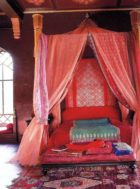 Beautiful budget bedroom ideas part 5 arabian nights for Arabian night bedroom ideas