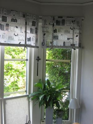 Burspråk gardiner