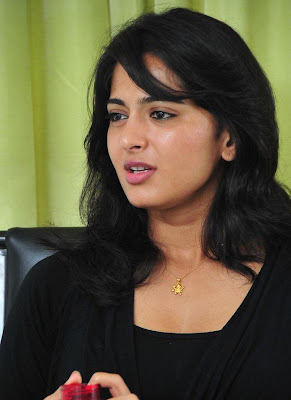Beautiful Anushka Very Cute Photos