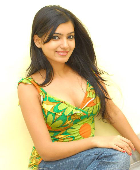 Hot Samantha spicy green stills