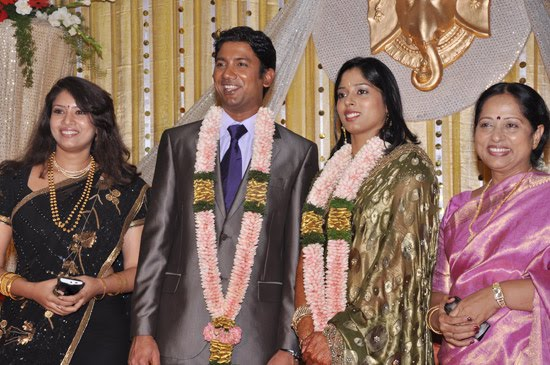 ... Sangavi and Devyani Sathyapriya Daughter's Wedding Reception photos
