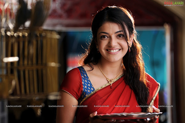 Kajal agarwal and Samantha in Brindavanam movie photos show stills