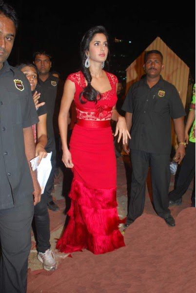 katrina kaif promoting tees maar khan at zee rishtey awards actress pics