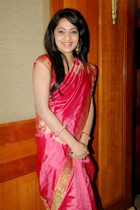 vijay tv anchor ramya at web site launch hot photoshoot