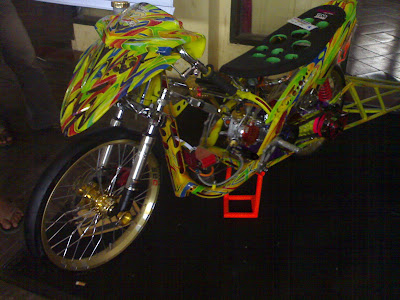 yamaha mio racing look style the winners Mio Racing look of Djarum Black Motndify Solo 2010
