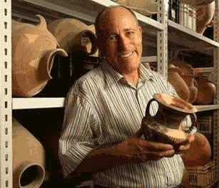 Prof. Amos Kloner, arqueólogo da Universidade Bar-Ilan, Israel
