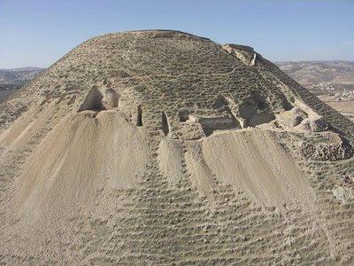 Herodium: palácio-fortaleza onde morava o rei Herodes I, o grande.