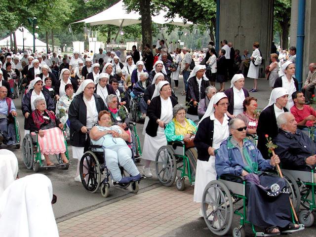 Peregrinos doentes em Lourdes