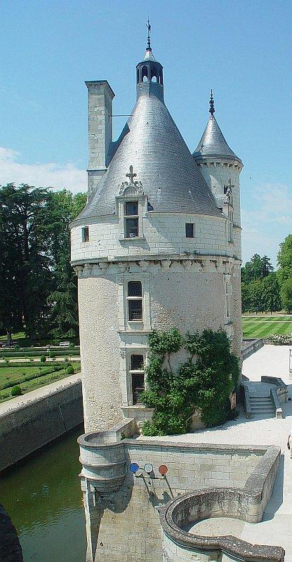 A torre servia para controlar o acesso ao castelo. Castelo de Chenonceaux, Loire, França