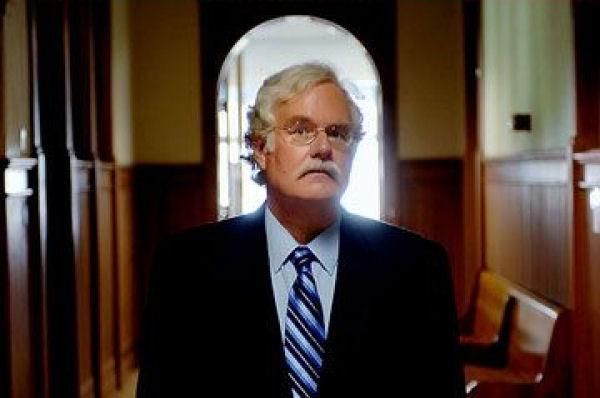 Frank J. Tipler, professor de Física Matemática na Universidade de Tulane:    sem CO2, os seres vivos desapareceriam.