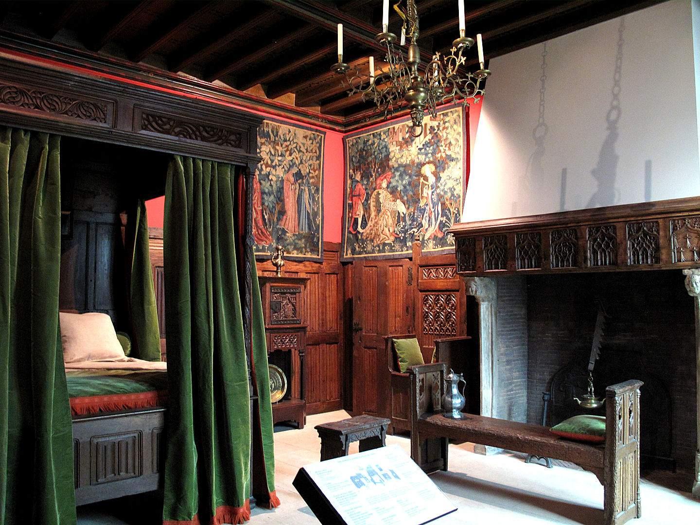 Quarto de Drayer Dormitorio+medieval+1,+Mus%C3%A9e+d'Art+D%C3%A9coratif