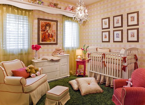 Luxury-bedroom-for-baby-with-modern-furniture-lamps-and-elegant-lampshade