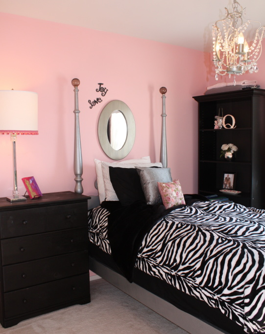 Pink black girls rooms design dazzle for Black pink and white bedroom ideas