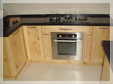 Kitchen Cabinet :: Solid Pine