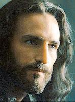 Caviezel, caracterizado como Jesucristo en La Pasión, de Mel Gibson