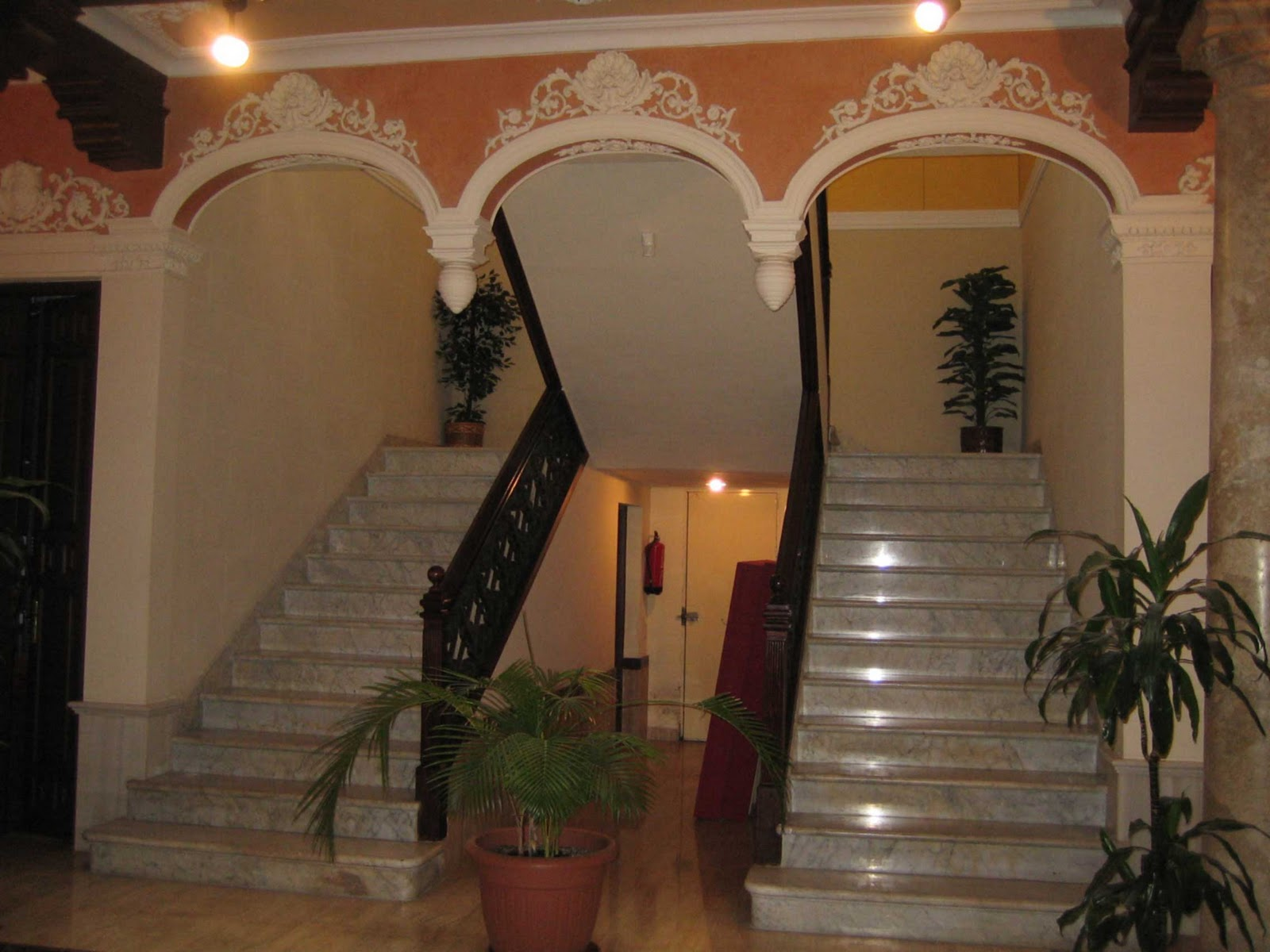 Paseando con inda for Escalera caracol 2 pisos