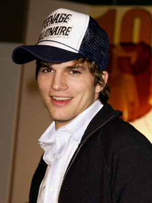 ashton kutcher twin brother died. his fraternal twin brother