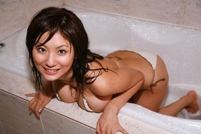 http://2.bp.blogspot.com/_L1s_dMOz3fI/TF5f70fI2hI/AAAAAAAAAtI/gQ635tzKke0/s1600/Yuma-Asami-3.jpg