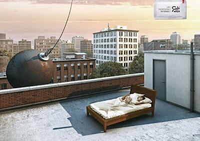 Domino06 Zekice Tasarlanmış Reklam Afişleri