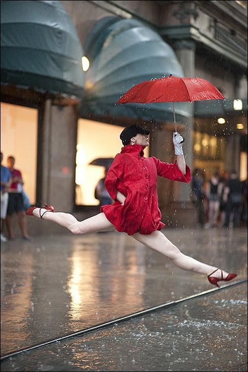 http://2.bp.blogspot.com/_L1y4XexY16s/TGgLA3ms0ZI/AAAAAAAAZco/KMKmDFdMI2A/s1600/dancers-among-us-02.jpg