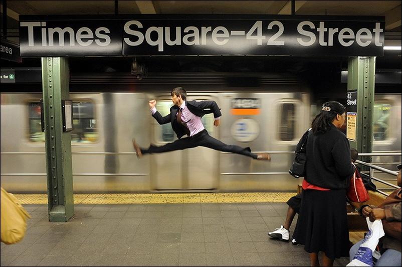 http://2.bp.blogspot.com/_L1y4XexY16s/TGgLAli5hJI/AAAAAAAAZcg/jjg4uIkxXGA/s1600/dancers-among-us-03.jpg