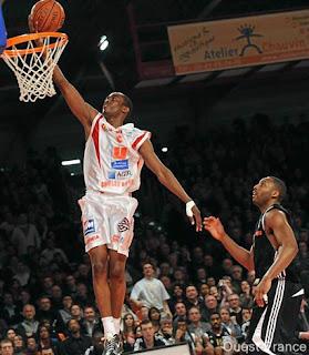 http://2.bp.blogspot.com/_L2Xi4faSnLU/SkRdcPXrFsI/AAAAAAAAAIc/SzDBLclswEA/s320/NBA+Draft+Rodrigue+Beaubois+6-26-2009.jpg