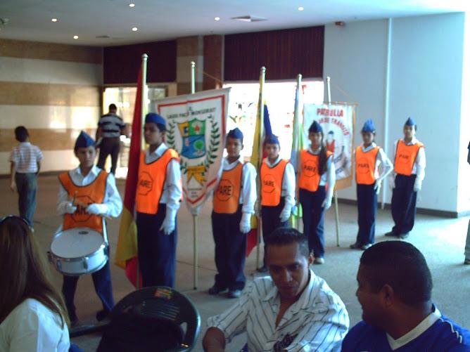 """Escolta de Banderas dela U.E.E. """" laura Pacheco Monserratt """""""