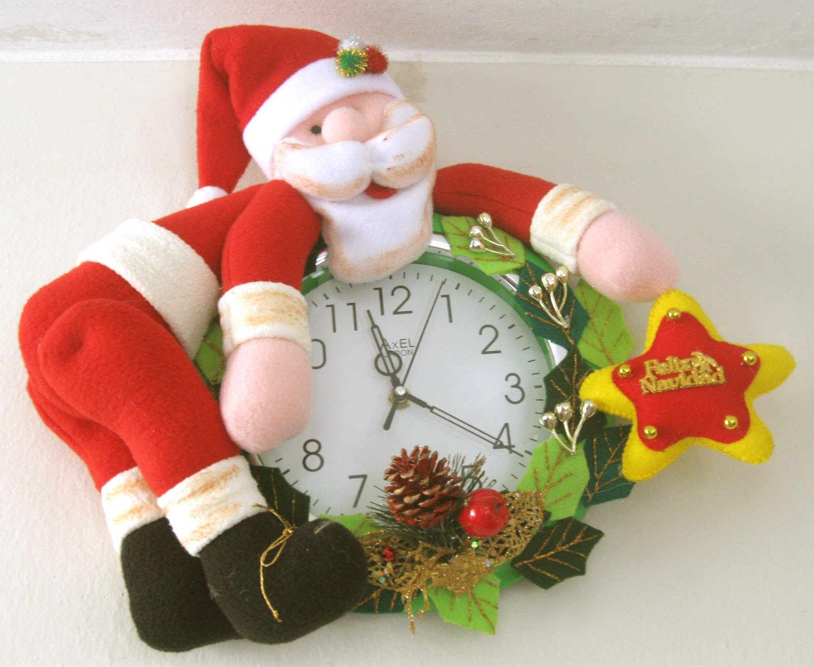 Reloj de pared papa noel manualidades maruji for Donde venden stickers para pared