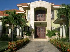 Esta Villa en venta Bavaro y Punta Cana Tel. 1-809-891-8389