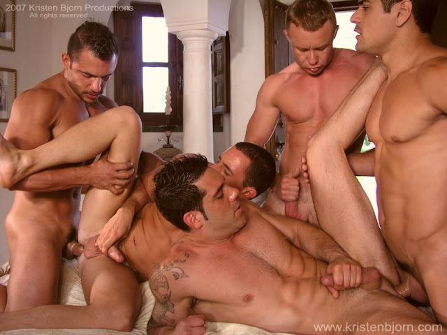 exposición orgía gay